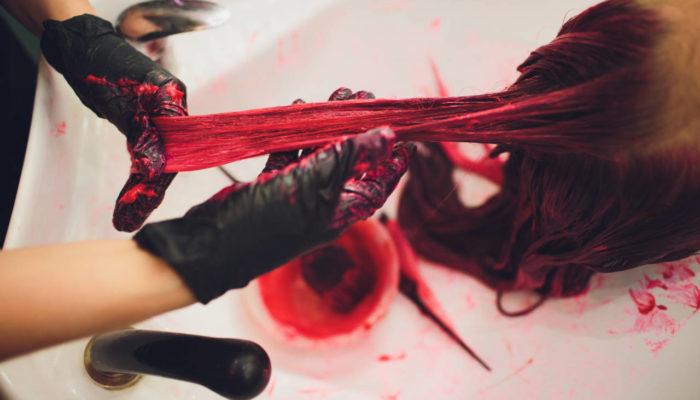 Haare färben gefährlich
